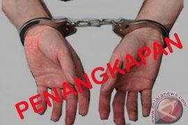 Pemilik hiburan miliki senpi dan sabu-sabu ditangkap