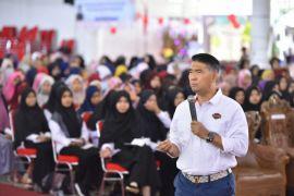 Fasha berikan motovasi kepada mahasiswa Unja