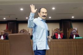 Fredrich tetap divonis 7 tahun penjara