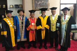 Rektor Unja hadiri penganugerahan doktor kehormatan Anwar Ibrahim