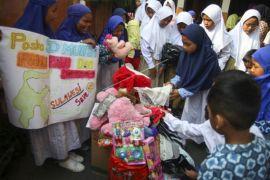 Mainan untuk anak korban gempa dan tsunami