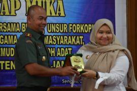 Bupati Masnah apresiasi peran TNI dukung program