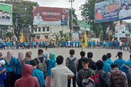 Ratusan mahasiswa unjuk rasa tuntut percepatan kasus OTT