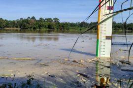 Ketinggian muka air Sungai Batanghari meningkat