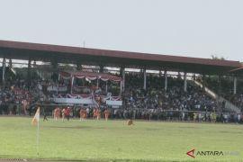 Pertandingan final sepakbola Porprov dihentikan