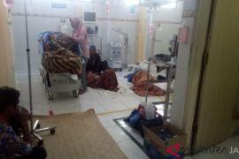 Warga keracunan makanan di Batanghari masih dirawat