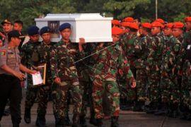 Penyambutan jenazah  korban penembakan kelompok kriminal bersenjata