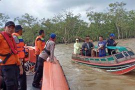 Tim SAR cari korban speed boad ditabrak kapal