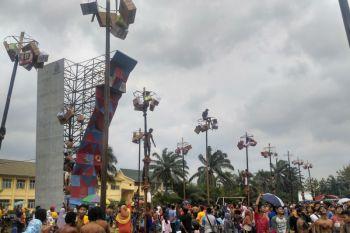 Panjat Pinang Meriahkan HUT ke-73 RI Dibatanghari