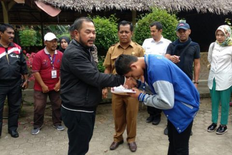 BUMN Hadir - Peserta SMN peroleh sertifikat dari Menteri BUMN
