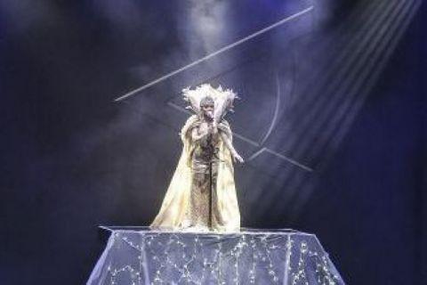 Di atas panggung konser Syahrini paparkan alasan masih jomblo