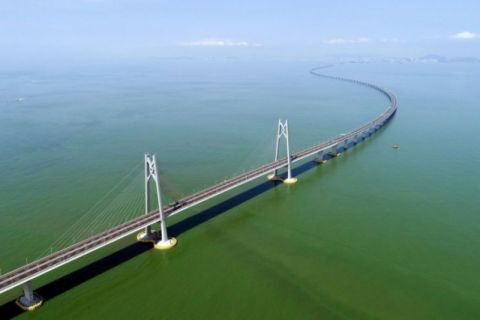 Jembatan Hong Kong-Makau-Zhuhai terpanjang di dunia dibuka untuk umum