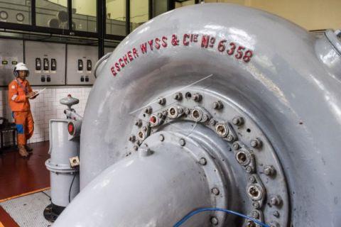 Turbin PLTA Bengkok Bandung peninggalan Belanda