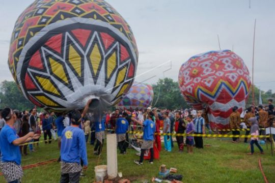Tradisi Syawalan Balon Udara