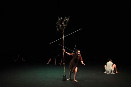 """Teater Potlot pentaskan  naskah """"Rawa Gambut"""" di Jambi"""