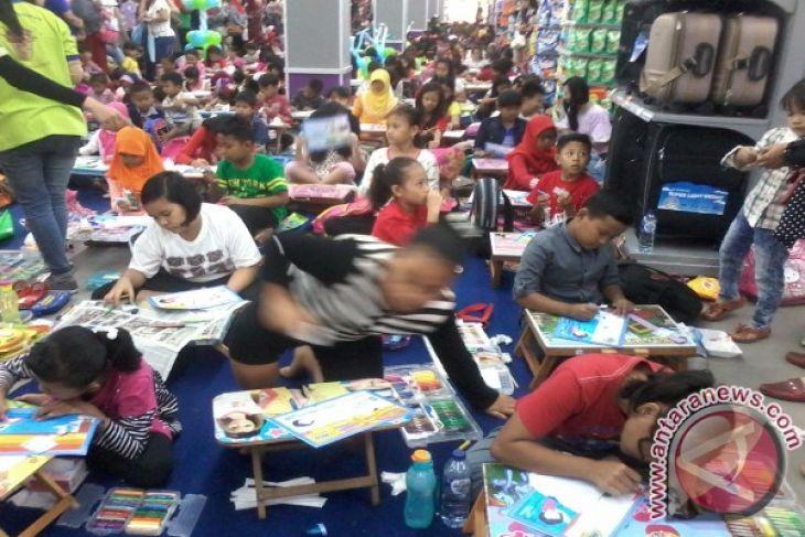 Ratusan Anak Di Jambi Ikuti Lomba Mewarnai Hilo School Antara