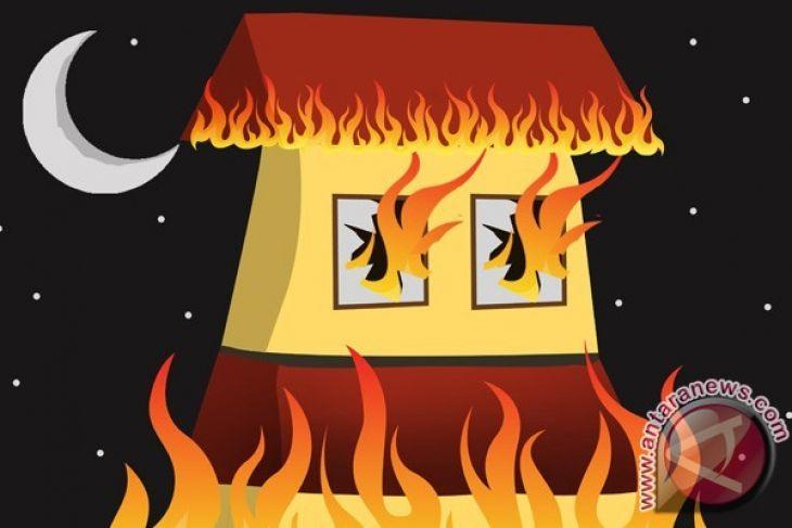 mewarnai gambar rumah kebakaran