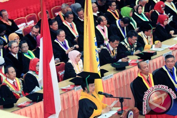 Megawati sandang gelar doktor kehormatan UNP