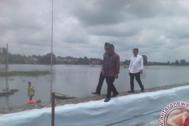 Menteri PUPR: keramba di Danau Sipin perlu ditata