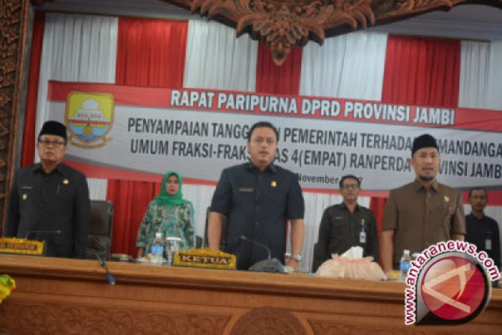 Rapat Paripurna DPRD Jambi Terkait Raperda