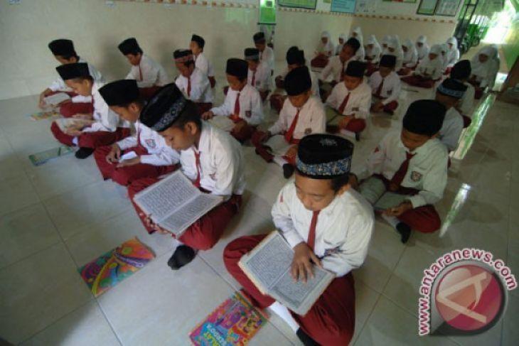 Pemprov Jambi sediakan beasiswa hafiz-hafizah