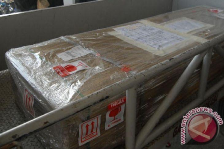 Tubuh jenazah TKI asal NTT dipenuhi jahitan