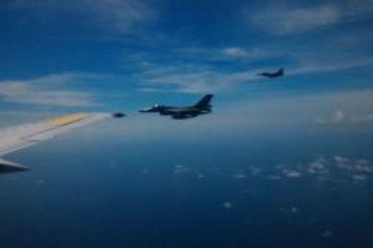 Empat F-16 kawal Panglima TNI