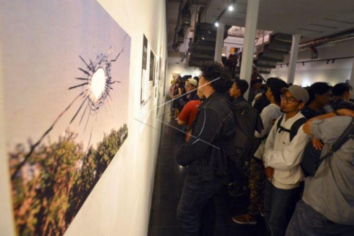 Pameran fotografi 20 tahun reformasi
