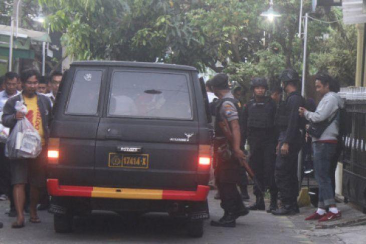 Densus 88 tembak mati dua terduga teroris di Tanjung Balai