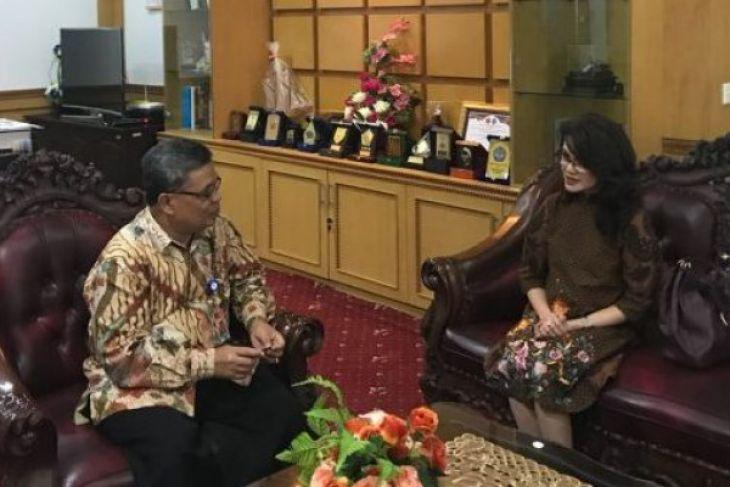 Rektor Unja terima kunjungan Garuda Indonesia