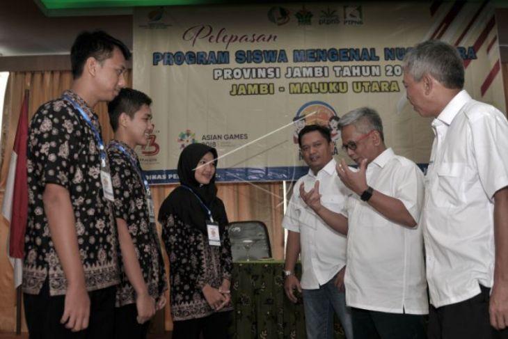 BUMN Hadir - Sekda Jambi lepas peserta SMN ke Maluku Utara