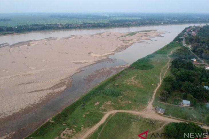 Air Sungai Batanghari Surut