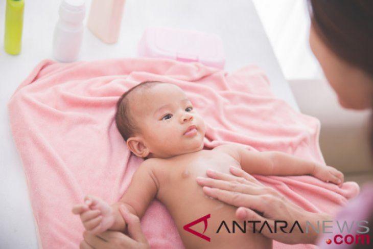 Tips merawat kulit bayi