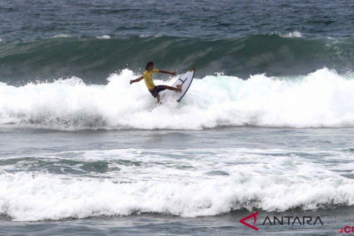 Kejuaraan Surfing Bengkulu