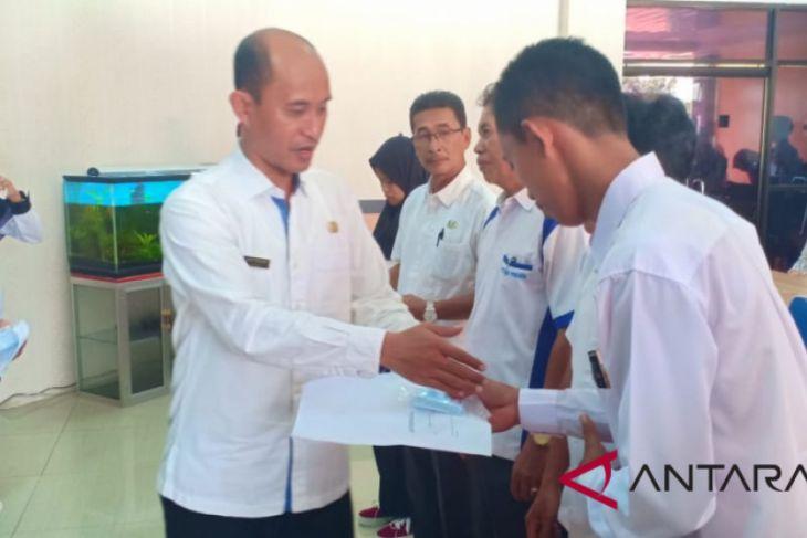 Dinas Dukcapil Batanghari serahkan 1.575 KTP elektronik