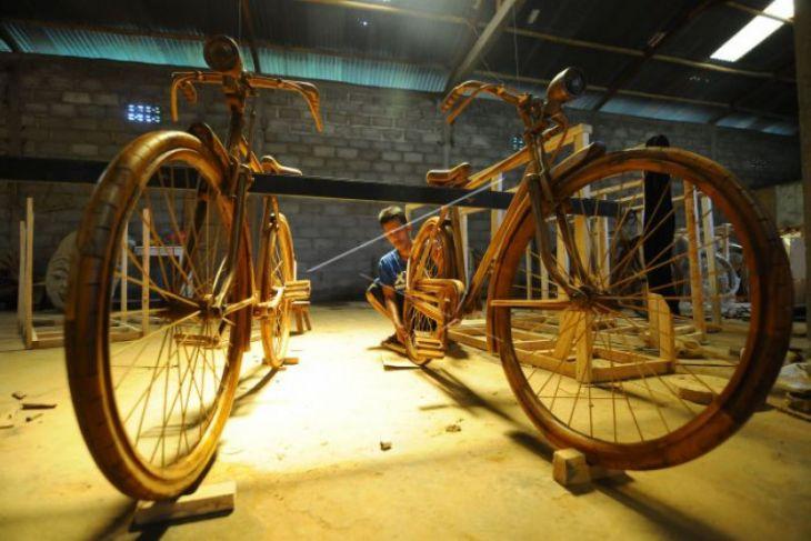 Pengrajin sepeda kayu Boyolali