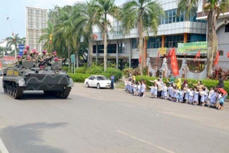 Kedatangan Yonif-10 Marinir di Batam Disambut Meriah
