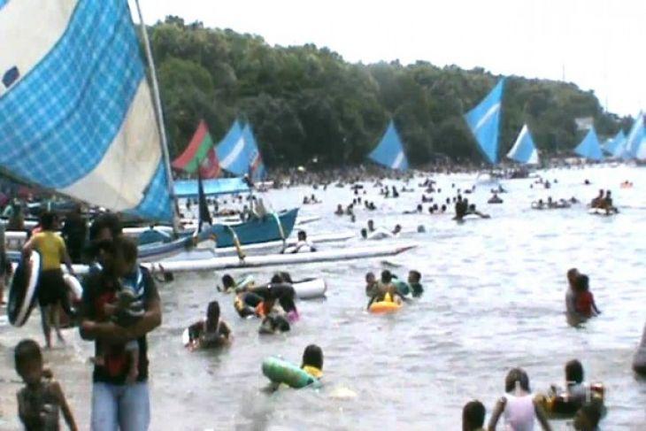 Kunjungan Wisata Pasir Putih Situbondo Meningkat 20 Persen
