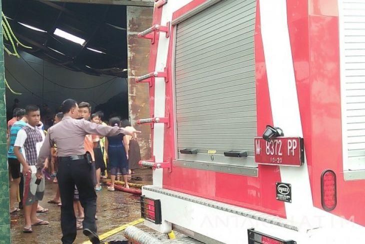 Polisi Selidiki Kebakaran Gudang Tembakau Sidoarjo