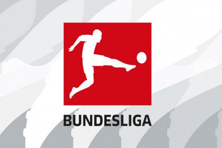 Schalke Pertahankan Peringkat Kedua