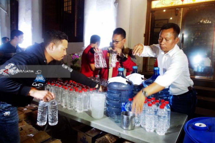 Polrestabes Surabaya Bekuk Dua Peracik Minuman Keras Mematikan