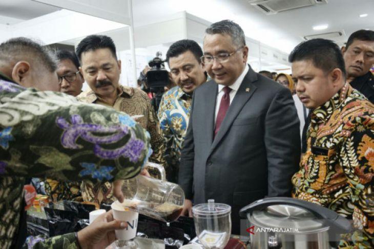 Produk Unggulan BUMdes Dipamerkan di Malaysia