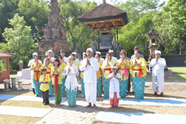 Umat Hindu Madiun Doakan Indonesia Damai