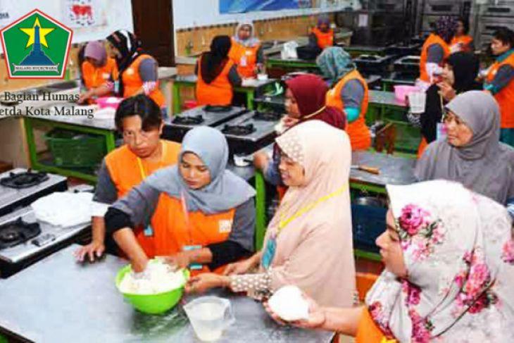 Dinsos Latih Kerja PMKS Kota Malang