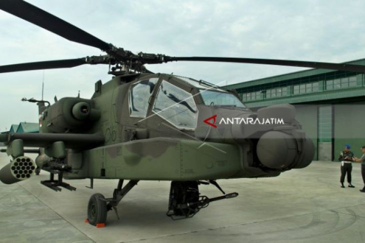 TNI Receives Eight Apache Attack Helicopters