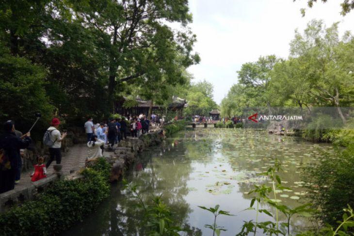 Zhu Zhengyuan, Taman Kuno di Kota Tua Szuhou (Video)