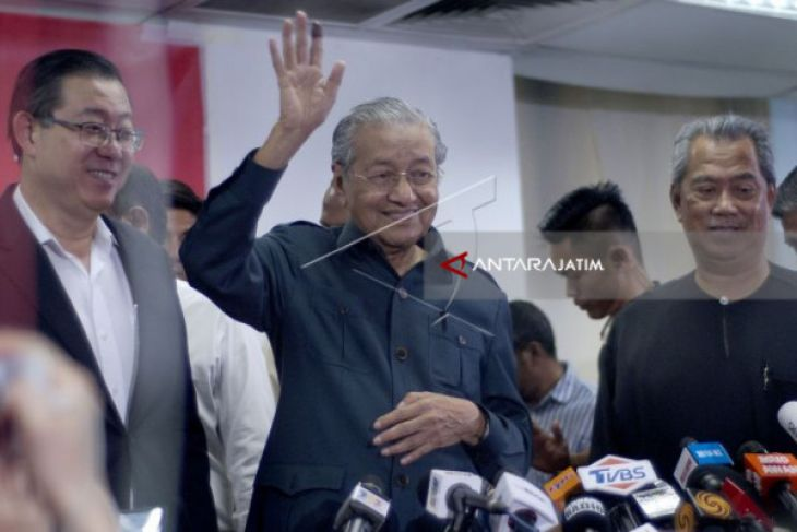 Mahathir to Visit Indonesia on Thursday