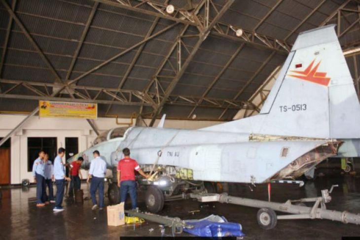 TNI AU Hibahkan Pesawat `F-5` Untuk Monumen