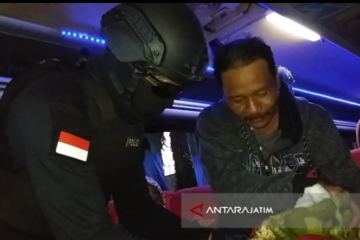 Persempit Ruang Gerak Terorisme, Satgas Antiterorisme Polres Situbondo Patroli (Video)