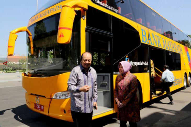 Bank Mayapada Bantu Dua Bus Tingkat Ke Pemkot Surabaya